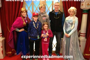 Meeting Anna and Elsa from Frozen