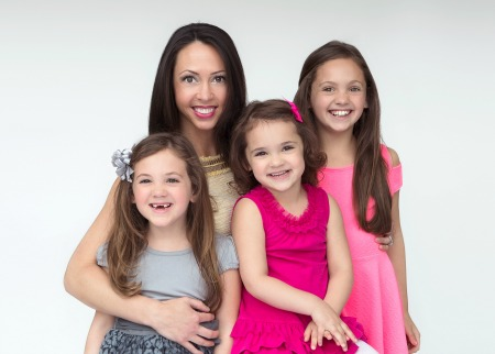 Tammy Gold and daughters